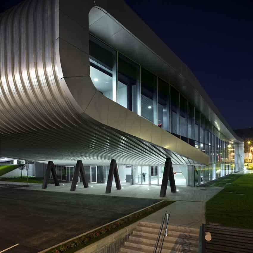 西班牙汽车情报中心设计欣赏 acxt
