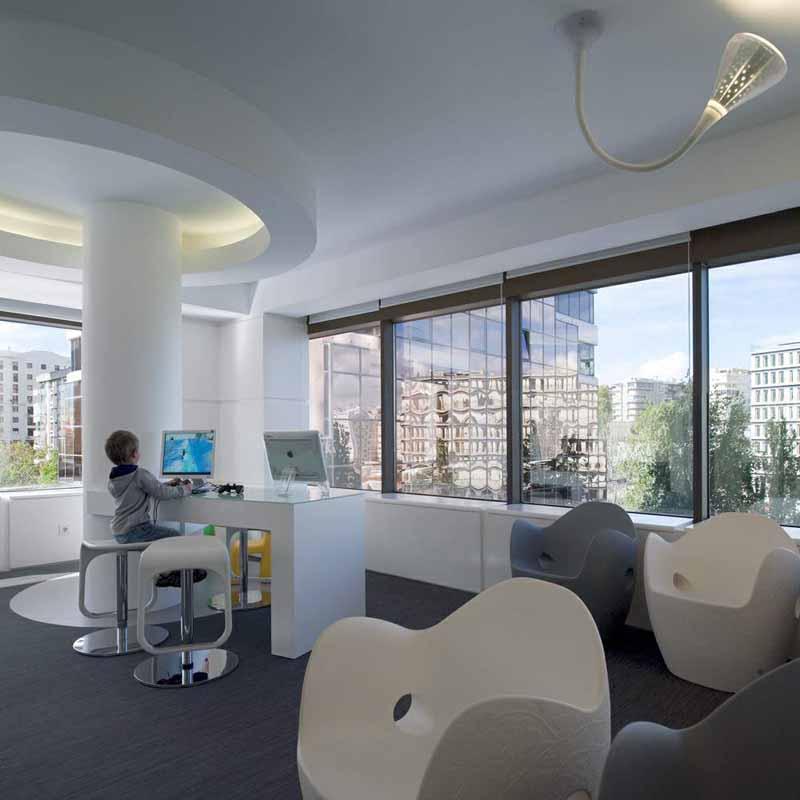 办公空间设计:葡萄牙里斯本牙科保健工作室