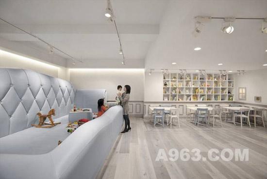 东京婴儿咖啡馆室内设计欣赏
