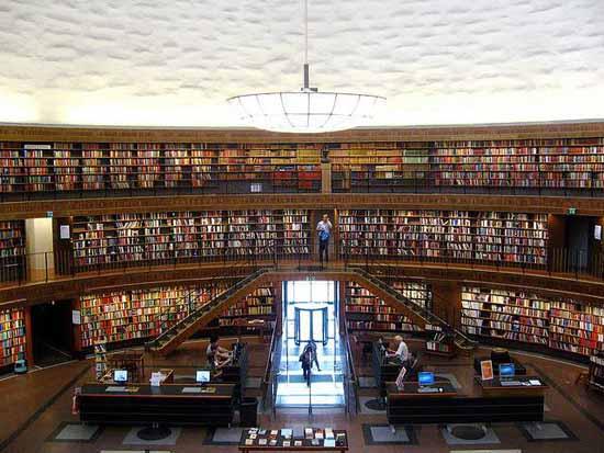 文化空间设计:瑞典斯德哥尔摩公共图书馆