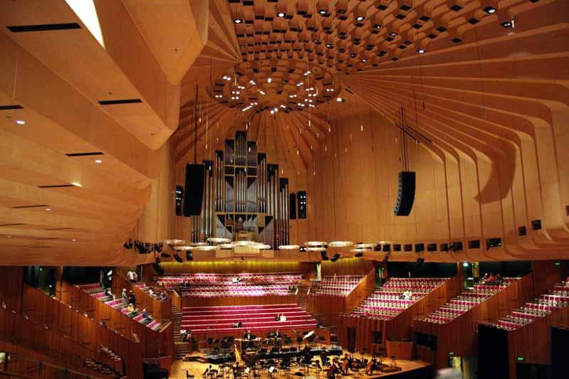 建筑设计:澳大利亚悉尼歌剧院