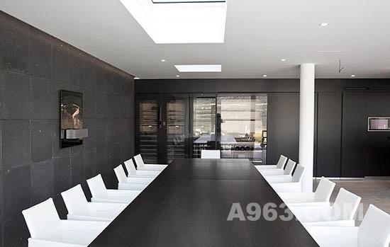 冷静时尚的现代别墅设计欣赏