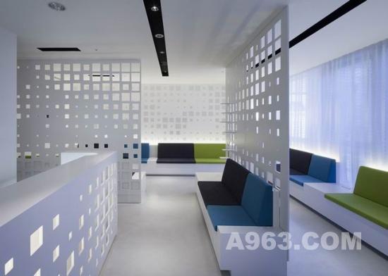 日本东京的 g 诊所设计非常独特,一个开放式的空间,是由kori建筑事务